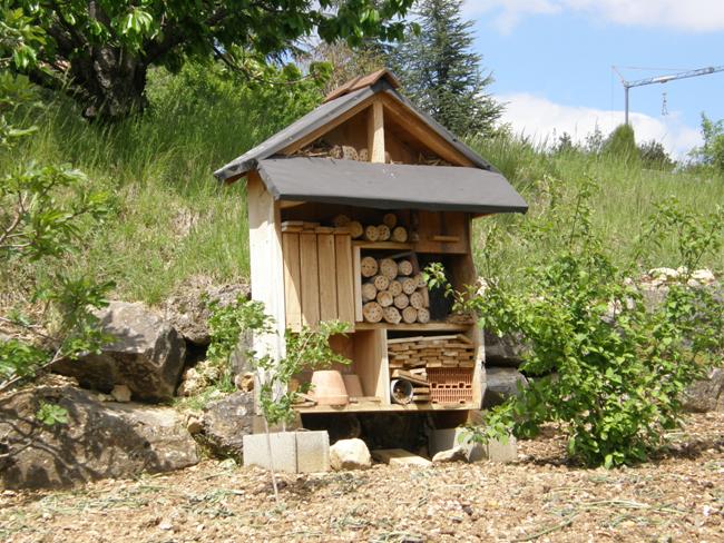 Avis de recherche jardinier amateur et son jardin for Recherche jardinier